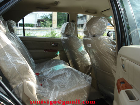 2009 toyota fortuner rear seats