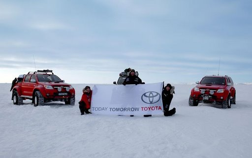 Toyota Hilux Vigo is the first 4x4 to make it all the way to North Pole