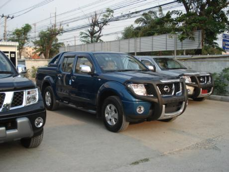 Images (Pics) of new and used Double Cab Nissan Navara from Thailand's and Dubai's top new and used Nissan Navara Single, Extra and Double Cab dealer and exporter Soni Motors