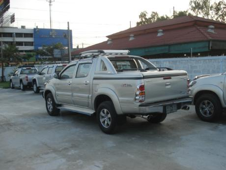 new Toyota Hilux Vigo Double Cab at Thailand's top Toyota Hilux Vigo dealer Soni Motors Thailand