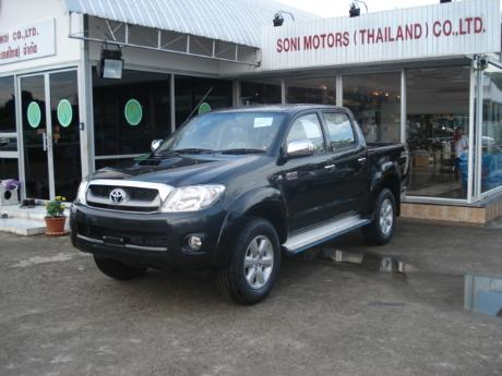 toyota hilux vigo 2009 is in Soni showroom